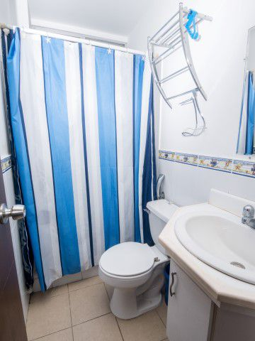 10.Bathroom2 (Small)
