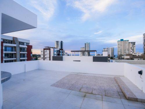 11.RooftopBarOceanView