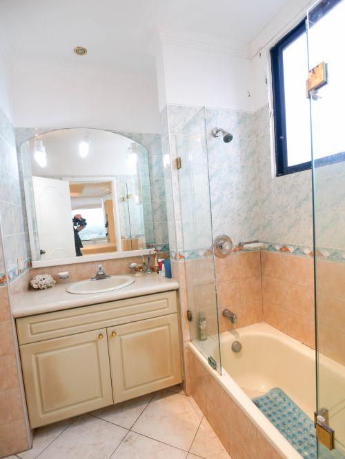9a..  Bathroom2 (1 of 1)