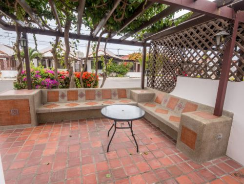 10.FrontPatio (Small)